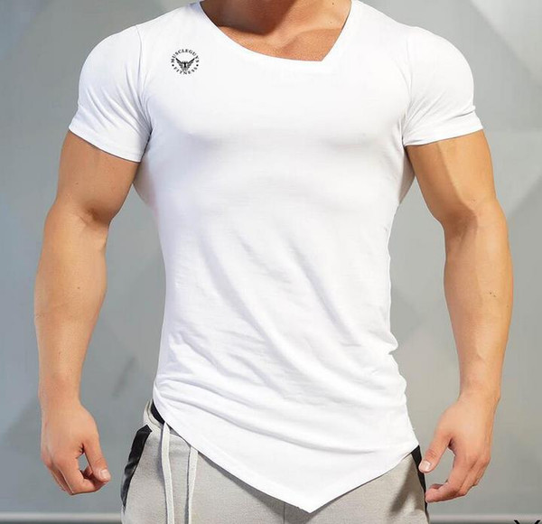 T-shirt à manches courtes en coton imprimé à la mode pour hommes Muscle GYM Superman col oblique T-shirt irrégulier