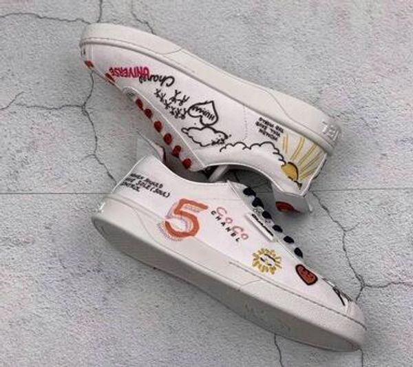 2019 Дизайнер повседневной обуви Женщины Холст Граффити Печатные Плоские Сапоги Дизайнер Леди Письмо Геометрическая Кожа Резиновая Подошва Обувь tttt10