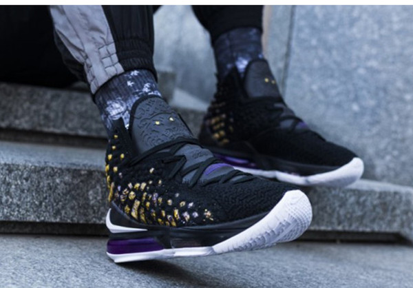 best selling LeBron mens Laker 17 basketball shoes Oreo Black White Laker Purple Gold Yellow kids high tops new basketball shoes size 7~ 12