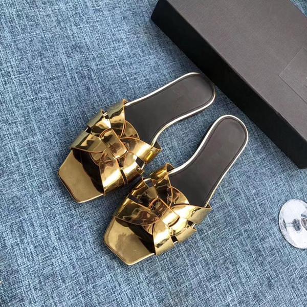 Zapatos Rihanna Mujer Zapatillas de interior Sandalias de moda de las muchachas de color rosa negro blanco gris Diseñador de piel diapositivas hy19062602 de alta calidad