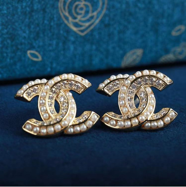 best selling Fashion Designer Stud Earrings for Women Jewelry with Crystal Diamond Pearl Letter Design Earrings for Party Wedding Gift