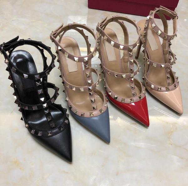 디자이너 뾰족한 발가락 2- 스트랩 스터드 하이힐 특허 가죽 리벳 샌들 여성 박힌 끈으로 드레스 신발 발렌타인 하이힐 신발