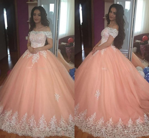 Peach Off épaule robes de Quinceanera 15 Anos Dentelle Appliques Puffy Ball robe de bal même robe Robe de mariée