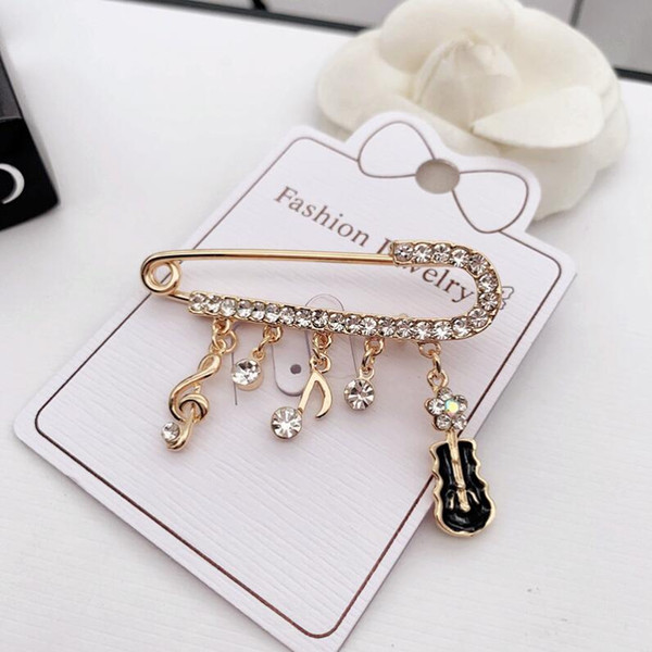 Hot fashion popular high quality personality brooch designer ladies drip piglet brooch jewelry accessories fast delivery1