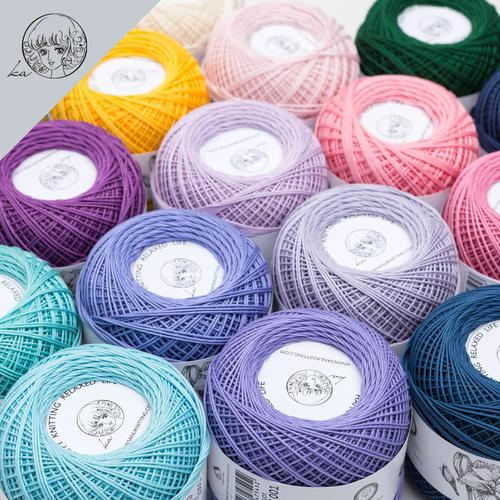 best selling Yarn Black and white red yellow blue orange purple A variety of color Welcome to place an order