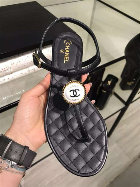 qizhucc / New Ladies Slippers 2019 Newest Fashion Luxury Designer womens shoes Flats C C sandals Summer high quality Beach slippers WITH BOX EUR 35-40