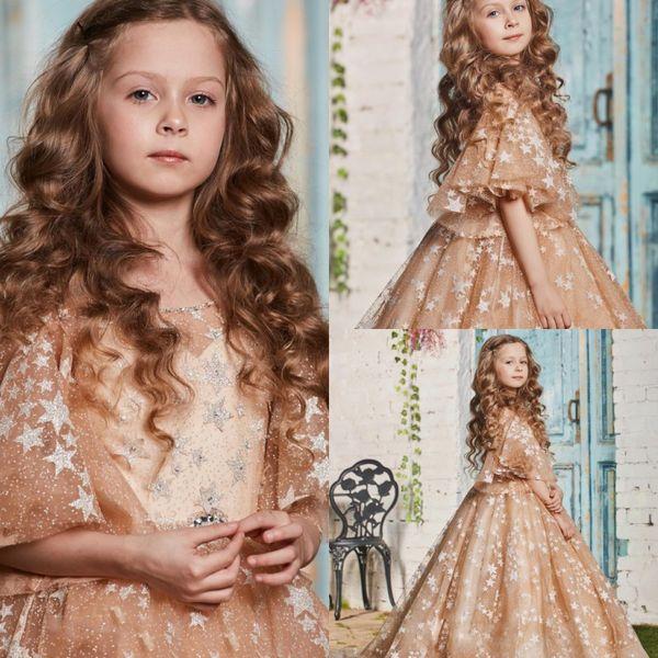 Vestidos de tul de oro con gradas para niños Ropa formal Formas de encaje brillantes generosos Vestidos cortos con mangas Longitud del piso Niños Primera comunión