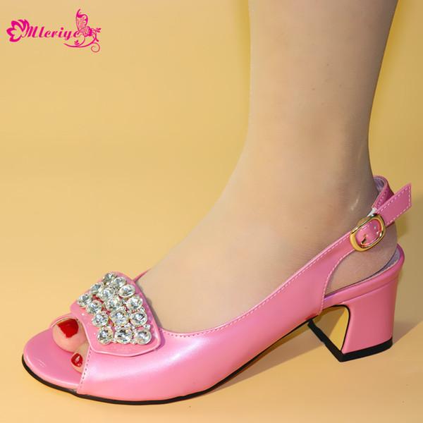 2019 Nova Chegada Rosa Cor Sapatos Para Combinar Casamento Italiano Sapatos de Casamento Africano Sem Saco Conjunto de Sandálias Sapatos para o Partido