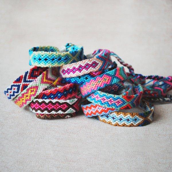 2019 Braccialetti intrecciati del tessuto della mano di Boho per le donne Braccialetti etnici dei braccialetti di fascino etici della corda del cotone dell'arcobaleno fortunato della Boemia DHL