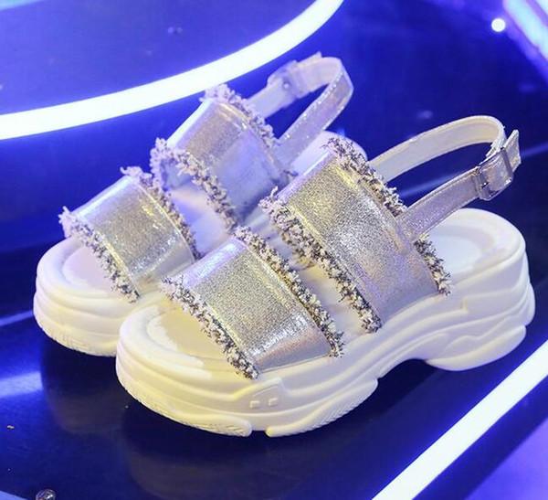 84898ce313d Verano blanco negro cuña con zapatos de mujer nuevos sandalias letras de moda  sandalias romanas hebilla