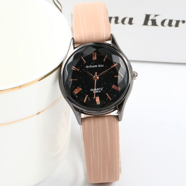 Top Luxury Fashion Small Dial Women Retro Rome Number Watch Elegant Ladies Casual Leather Wristwatches Female Dress Clock Gift