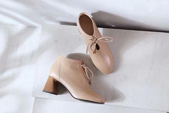 Moda simple marca de tacón alto de cuero boca baja puntiaguda sexy era delgada zapatos de tacón alto de mujer s solo lujo shoess