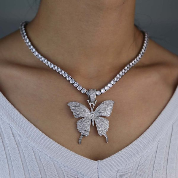 silver pendant with 16inch Tennis chain
