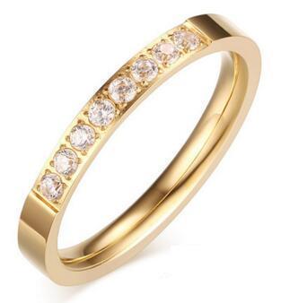 لون الحجر الرئيسي: لون الذهب