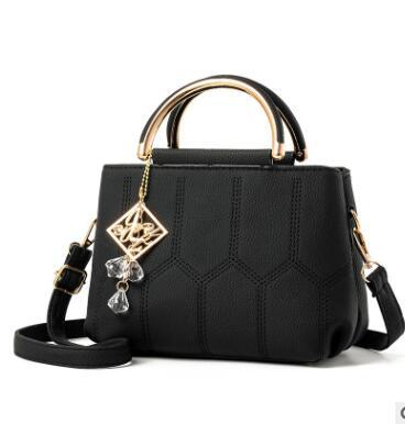 Women's 2019 new fashion mini bag instagram 59 super fire single shoulder crossbody bag small fragrance style diamond chain bag