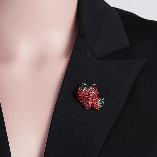 Broches de fresa para hombres y mujeres - Trendy Alloy Crystal Rhinestone Frutas clásicas Bodas Broche de fiesta - Accesorios de moda