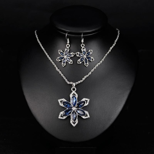 Crystal Gemstone Flower Pendant Necklace Earring Set Luxury Temperament Sapphire Jewelry Fashion Classic Elegant Women Jewelry