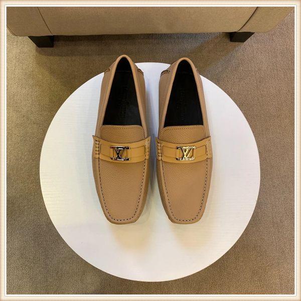 2019 Chaussures de designer pour hommes Chaussure Belle Plate-forme Casual Baskets Casual Designers Chaussures En Cuir Unicolores Robe Robe Shoesi