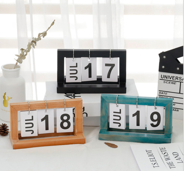 best selling Creative and simple wooden INS flip calendar desk calendar desk office decoration Nordic small furnishings study decoration