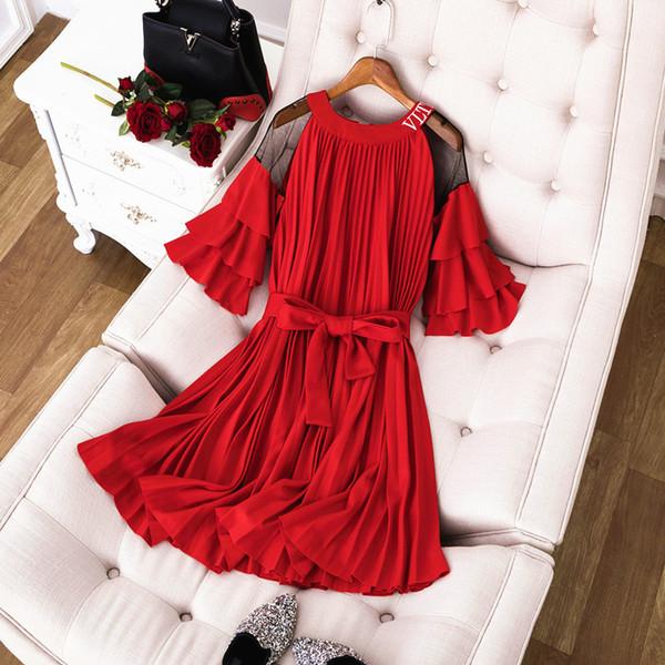 Milan Pist Elbise 2019 Siyah / Kırmızı Fişekleri Kollu Omuz Mektup kadın Elbise Tasarımcısı Pleats Vestidos De Festa yy-45