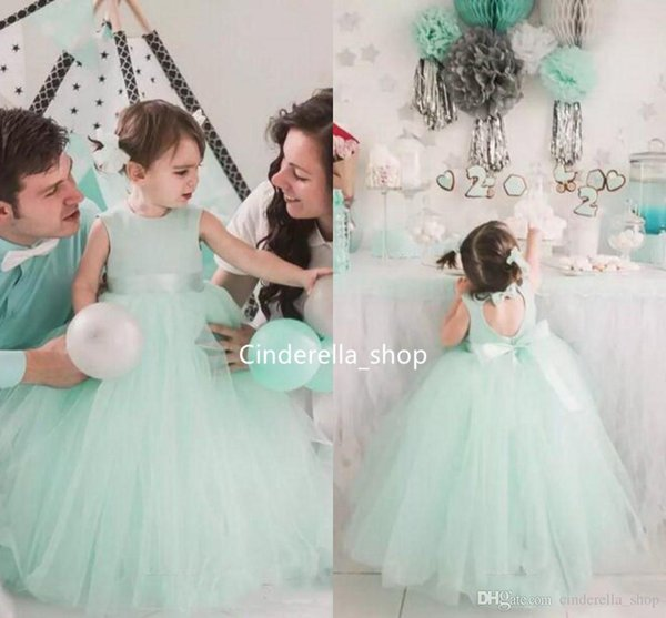 2019 Mint Tulle Ball Gowns Flower Girls Dresses Hollow Back With Bows Lovely Girls Birthday Party Gowns Cheap Toddler Dresses