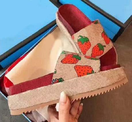 Yeni Kadın ayakkabı Lüks deri Sandalet Terlik Ev Ayaklı platformu Kalın taban sandalet des chaussures 01 shoe09 Floplar