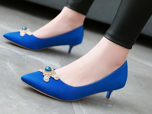 2019 Silk and satin Women's shoes in Spring and Autumn with New style Middle heel fine heel pointed end@126