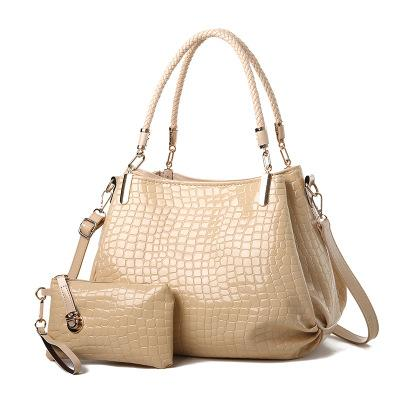 Europe and the United States new crocodile pattern patent leather female bag mother bag shoulder slung mobile mother bag bright leather hand