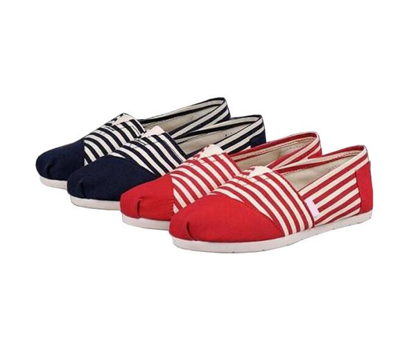 Yarım Çizgili Yarım Katı Renk TOM Sneakers Slip-On Casual Kadın Erkek Moda Tuval Loafer'lar için Tembel Ayakkabı Flats Classics Tasarımcı Ayakkabı