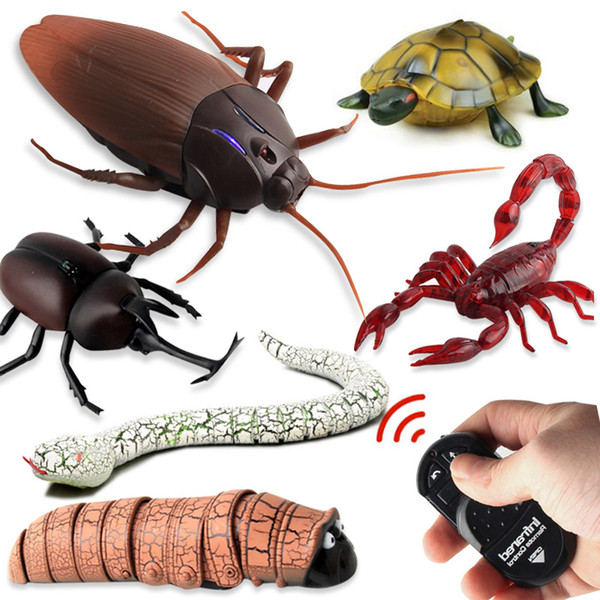 New funny toys infrared ray remote control electric plastic animal cockroach spider ant snake crap toy for best gifts