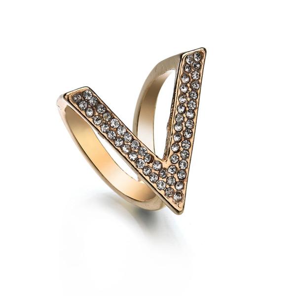 Spille di strass moda per accessori abbigliamento donna 2018 New Gold Color Lettera V Scarf Clip