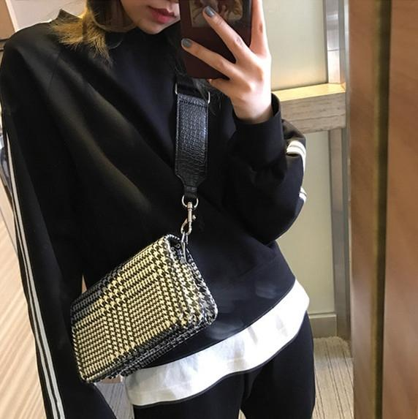 2017 New handbags small square bag wide shoulder strap Messenger bag thousands of birds retro shoulder #112643