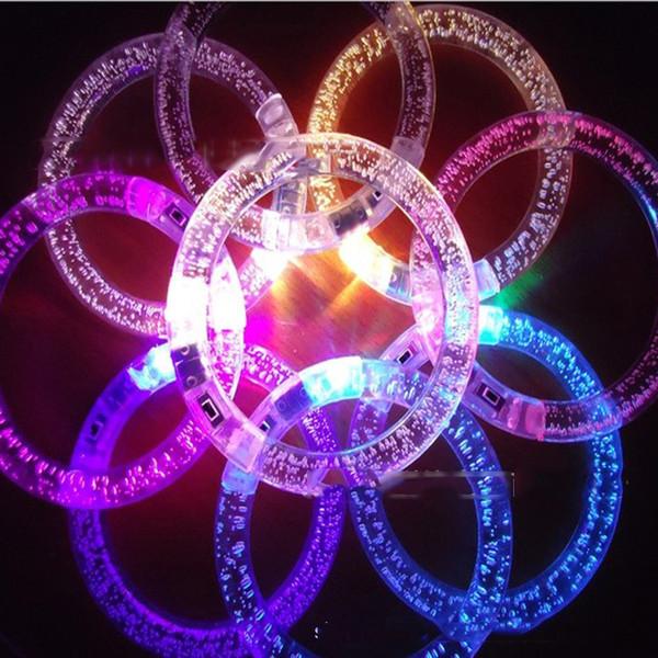8,5 cm / 3,5 zoll Led Bunte Armband Fluoreszierende Spielzeug Acryl Blinkende Kristall Armbänder Bar Disco Konzert Hand Ring Party Rave Spielzeug LA47
