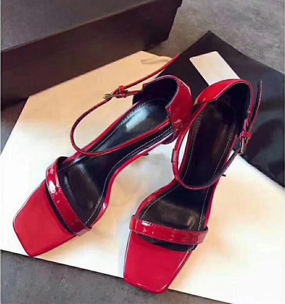 sandalias rojas con punta roja
