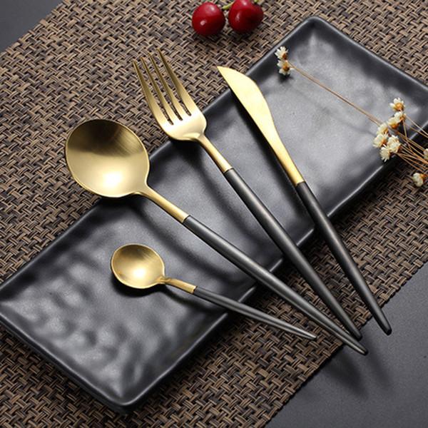 Vente chaude 4 Pcs / set Black Gold European Couteau Vaisselle 304 En Acier Inoxydable Western Couverts Ensemble Cuisine Vaisselle Dîner Q190605
