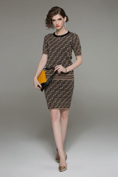 2019 Moda Marka kadın Elbiseler için Bahar Luxry Tasarımcı Elbiseler Suits High-end Streç Örgü Elbise İki parça ile Iki Renk Suits