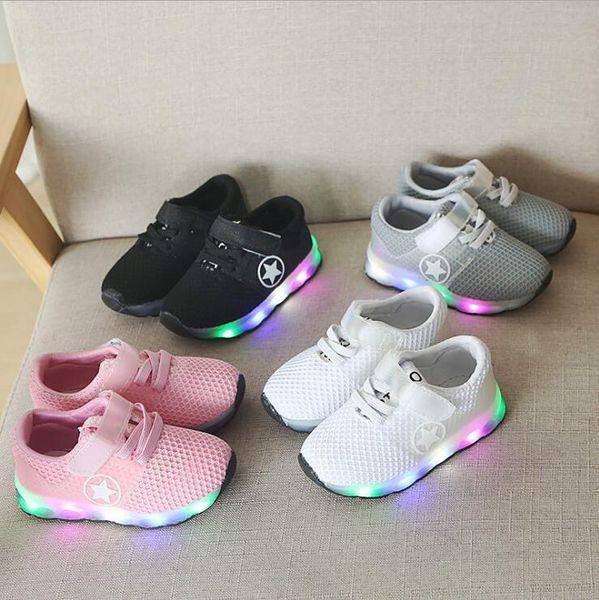 NOVA Moda Infantil Sapatos Luminosos Estrelas Imprimir Meninas Sapatos Baixos Luminosa Não-deslizamento Resistente Ao Desgaste das Crianças Sapatos Melhor qualidade hf0586