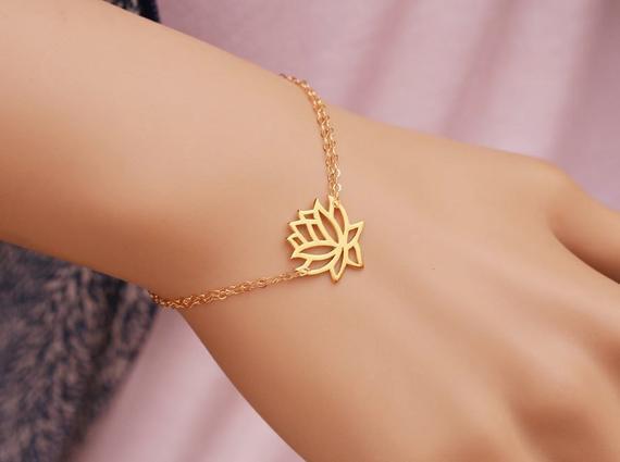 10 Prom Yoga hollow Buddha lotus Plant Petal Bracelets Tiny Lotus Flower Bracelets Fashion Prom Petal Bracelets Jewelry for Weddings
