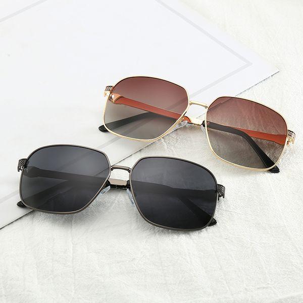 2019 Mercedes 0111 Fashion Trend occhiali da sole leggeri polarizzati 62mm lenti 6 colori occhiali da sole uomini e donne stile caldo tendenza moda casual