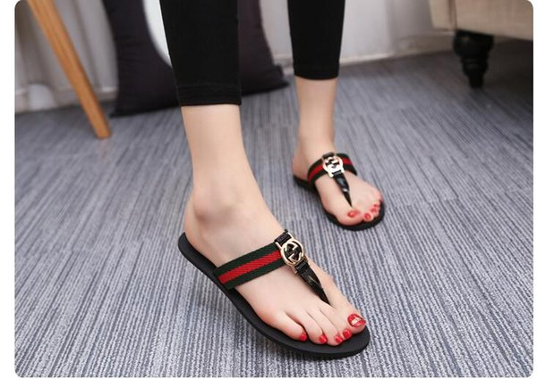 2019 chaussures d'été d'été avec des sandales plates avec des sandales à pinces