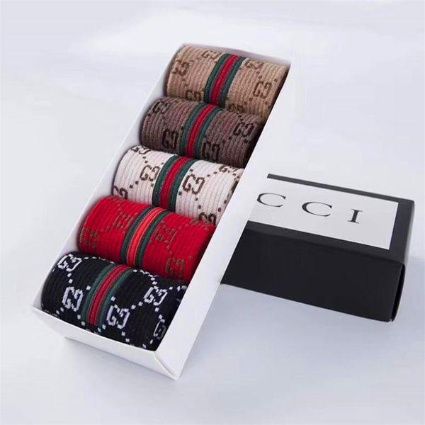 Lettre de mode Broderie Femmes Chaussettes De Noël De Bonbons Couleur Femme Stocking Marque Design Filles Coton Élastique Bas
