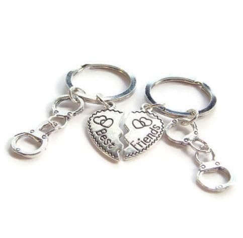 Vintage Silver Heart Best Friend Handcuff Keychain Set Punk BFF Friendship Key Ring For Keys Car Bag Key Chain Handbag Couples Gifts Jewelry