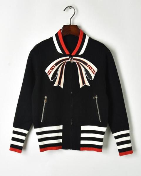Großhandel Bestickter Bogen Frauen Markenpullover Jacken Halbhohen Kragen Reißverschluss Pullover Damen Strick Strickjacke Mantel Damenbekleidung Von