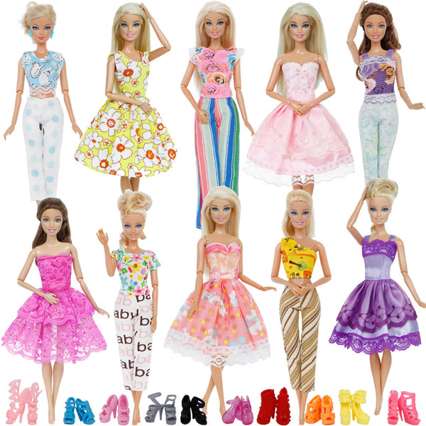 20 Pcs/lot = 5x Blouse Trousers Outfit + 5x Princess Dress Gown + Random 10x Shoes Accessories Clothes For Barbie Doll Gift Toy Q190521