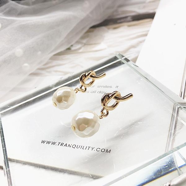 Korean geometry wild sweet alloy pearl shaped fashion net red fashion earrings