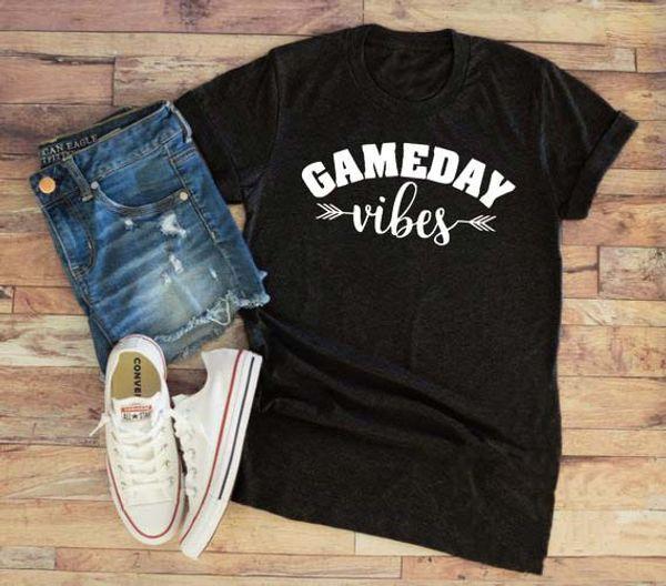 Verão Hipster Casual Gameday Vibes T-Shirt Futebol Engraçado Estética Esportes Tee Futebol Mãe Mãe De Beisebol Topos Seta Vibes Camisa