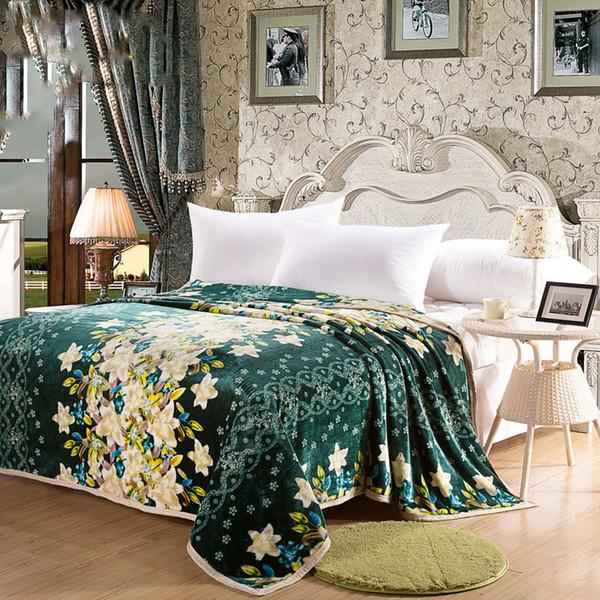 Super discount high density Package edge design winter warm bedspread blanket cover on the bed big size car blanket