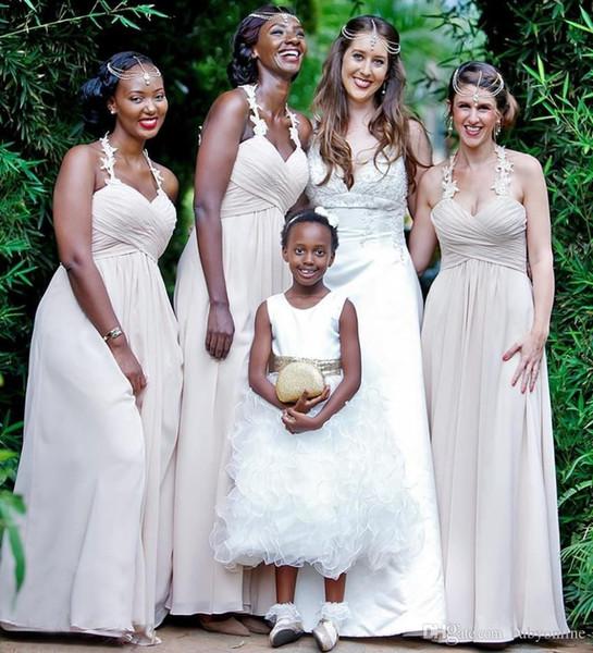Robes de demoiselles d'honneur d'été pas cher pour l'été 2019 Une ligne Appliqued Halter cou fluide en mousseline de soie longue robe de soirée de mariage invité