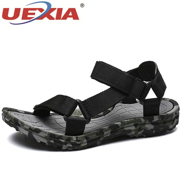 UEXIA Yeni 2018 Yaz Ayakkabı Erkekler Sandalet Kamuflaj Plaj Yumuşak Rahat Moda Delik kaymaz Nefes Rahat Açık