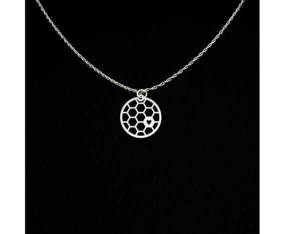 30pcs love heart Geometric Honey Comb Bee Hive Necklace Cute Hexagon Honeycomb Chain Clavicle Necklace Jewelry Accessory Present